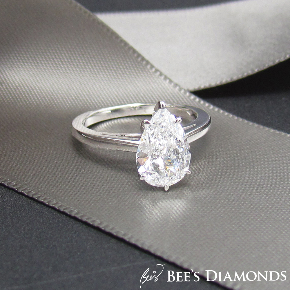 Pear shape solitaire diamond engagement ring | Bee's Diamonds