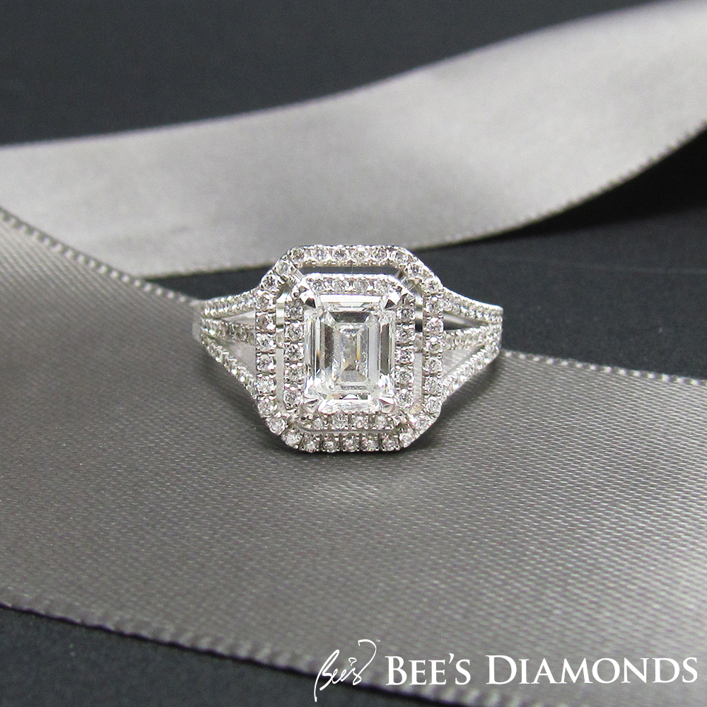 Extravagant diamond ring | Emerald cut with two halos of diamonds