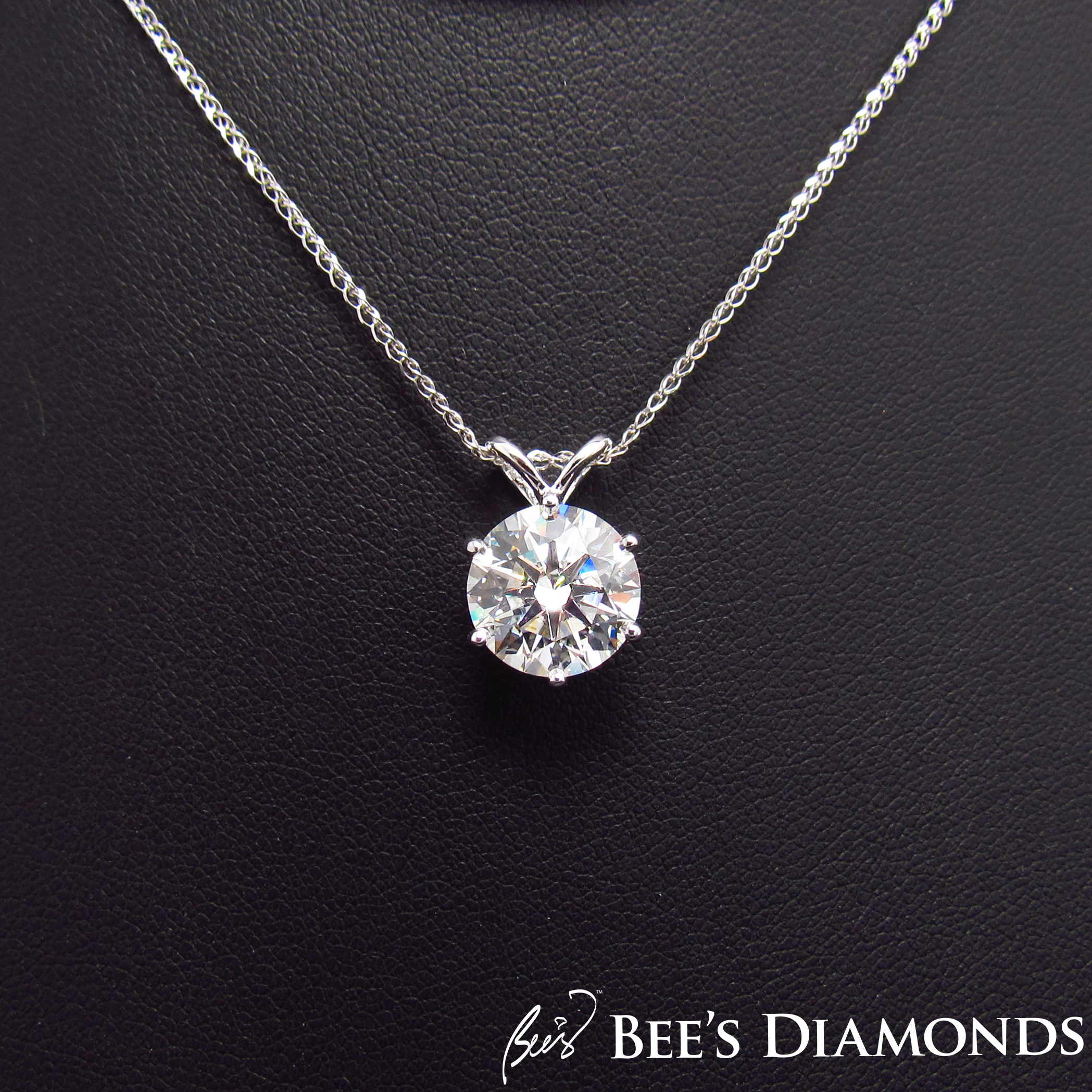 Large GIA, 4 carats diamond pendant, 18K White | Bee's Diamonds