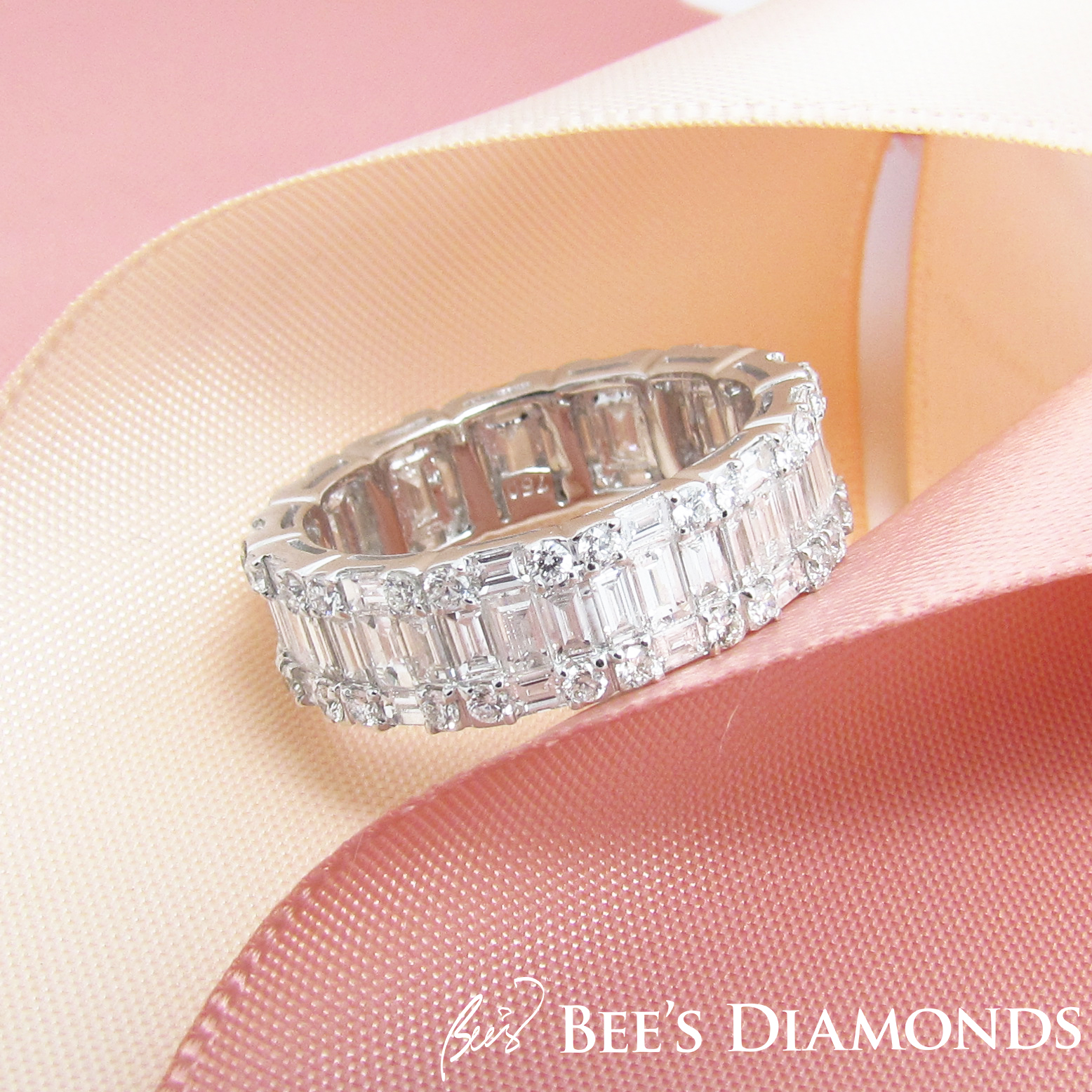 Baguette, emerald cut diamonds invisible, eternity band