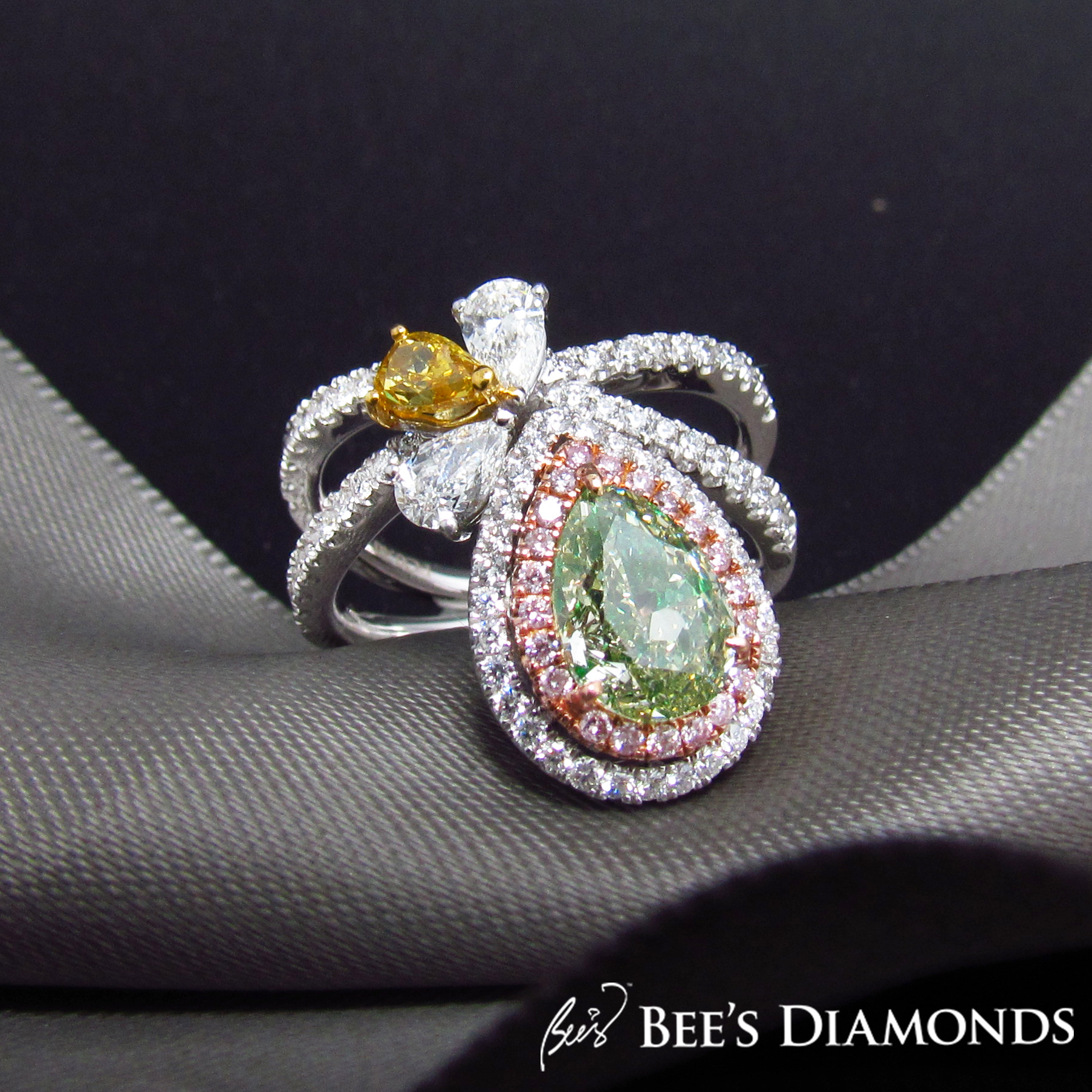 Ring turned pendant, natural green diamond | Bee's Diamonds