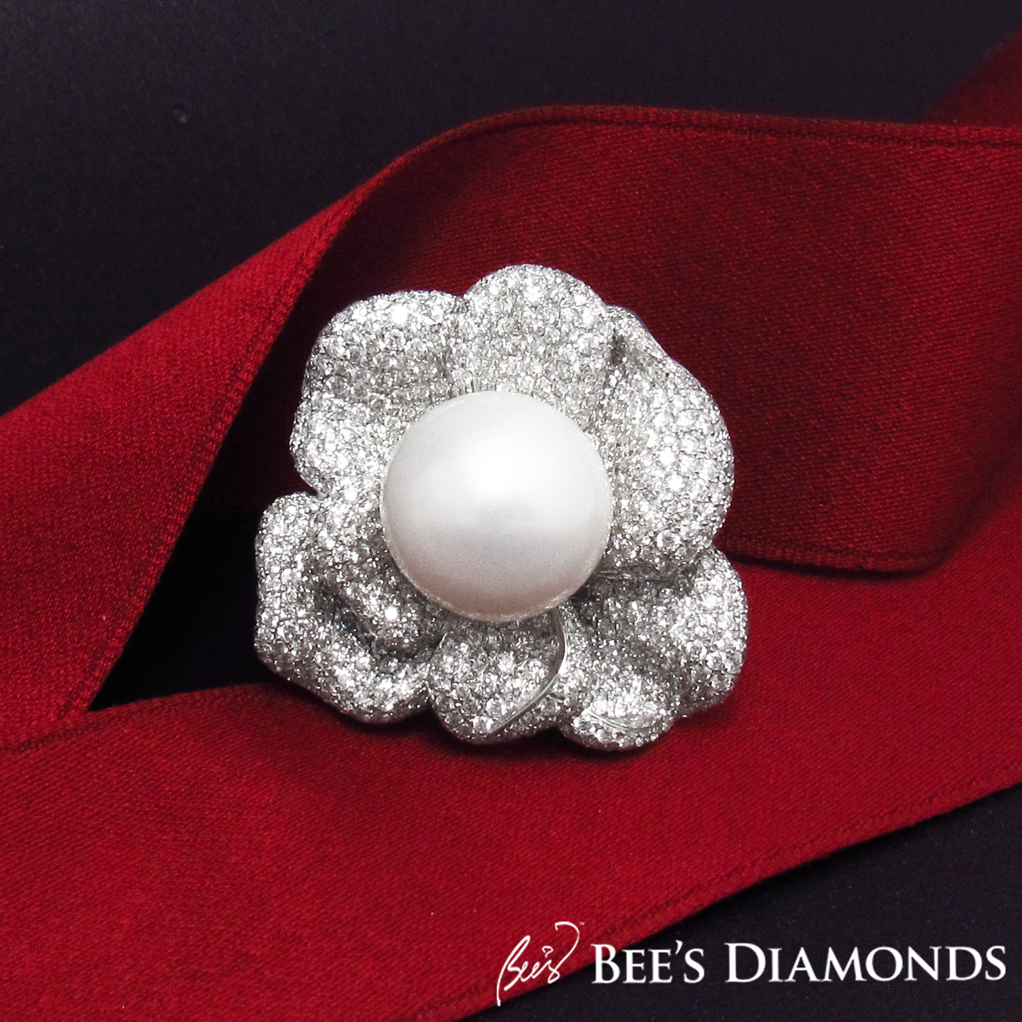 Diamond ring with South Sea white pearl | Bee's Diamonds