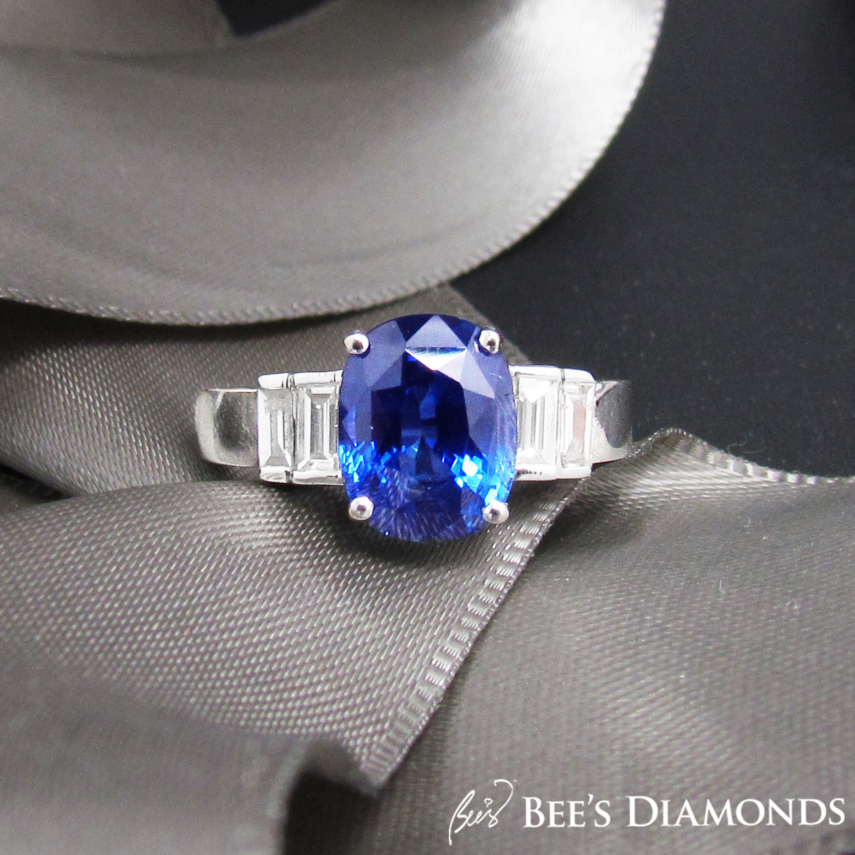Beautiful blue sapphire engagement ring | Bee's Diamonds