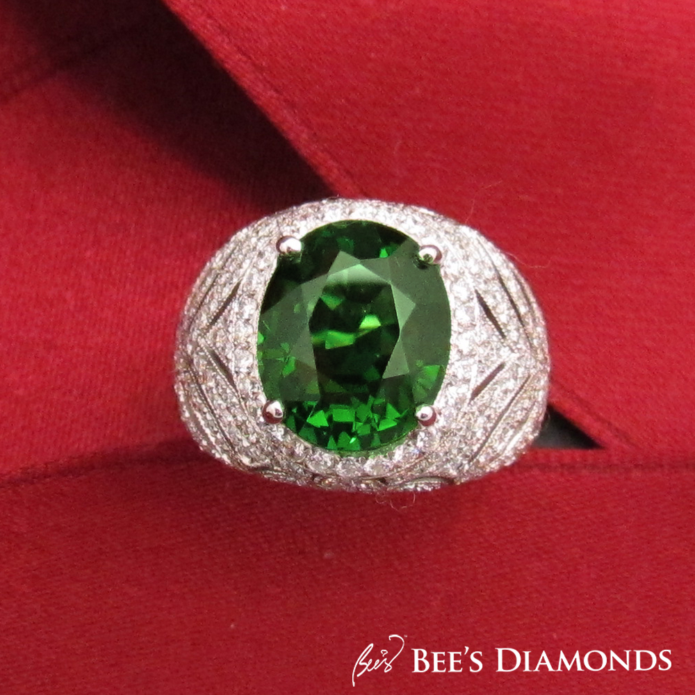 Oval Green Tsavorite Ring | Bee's Diamonds