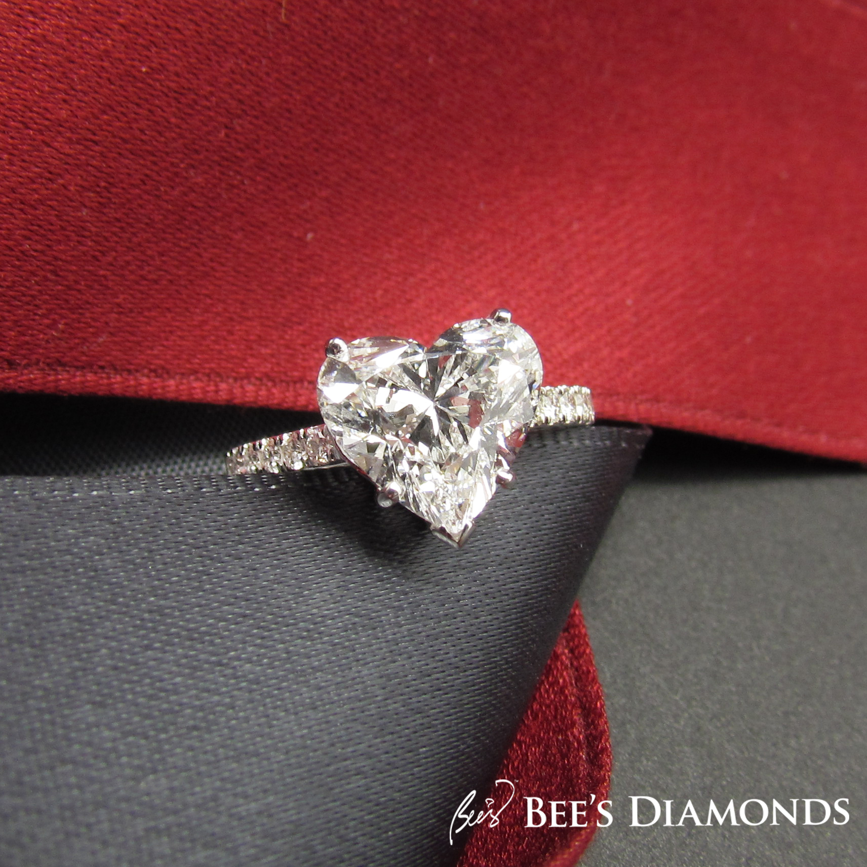 Heart shape diamond ring Hong Kong